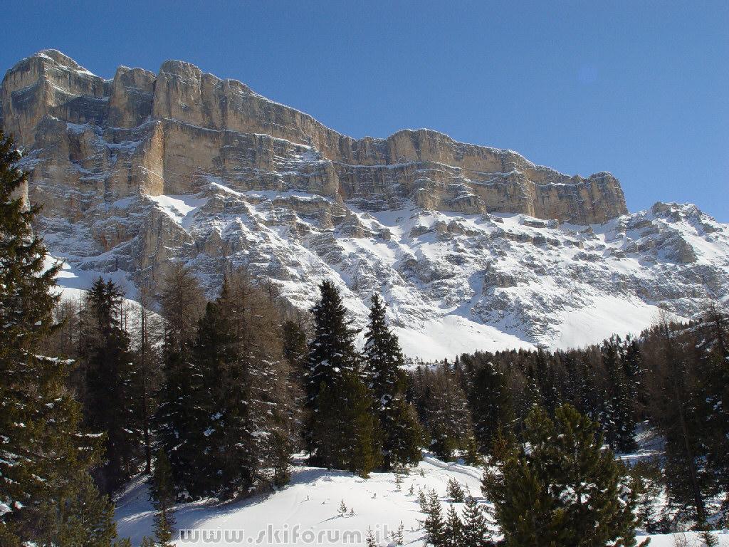 Pin sfondo dolomiti paesaggio primaverile 1440 x 900 for Sfondi desktop inverno montagna