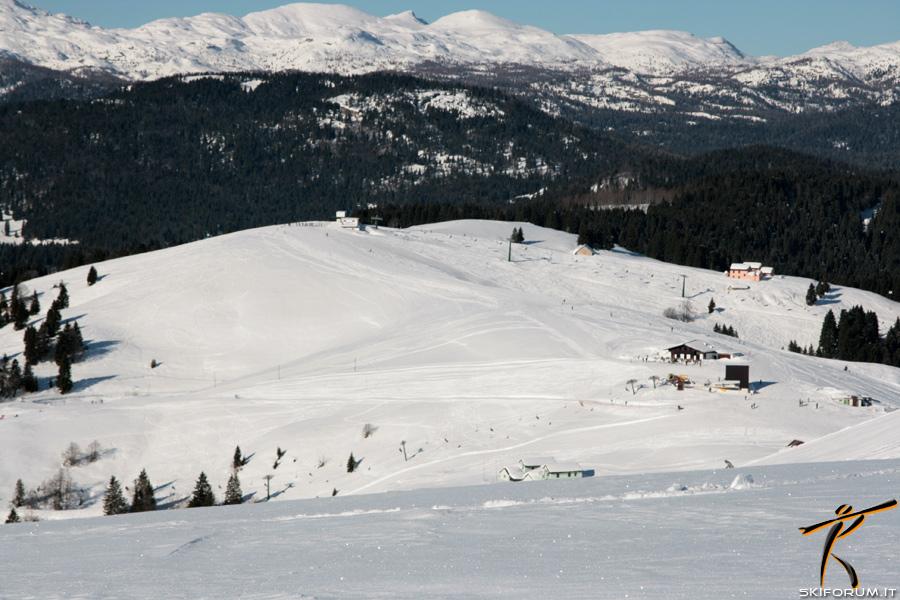 Sciare ad asiago piste da sci di melette 2000 for Alloggi asiago