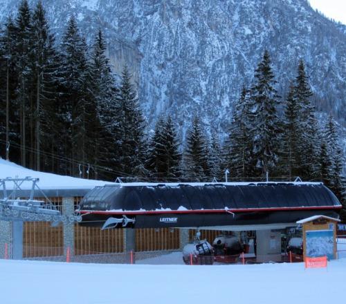 Cabinovia piani di pezz col dei baldi con cabine da 8 for Piani di cabina 32x32