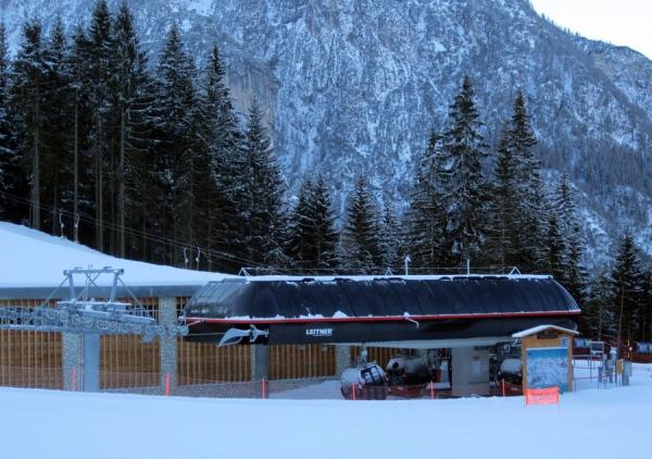 Cabinovia piani di pezz col dei baldi nello ski civetta for Piani di garage in cabina