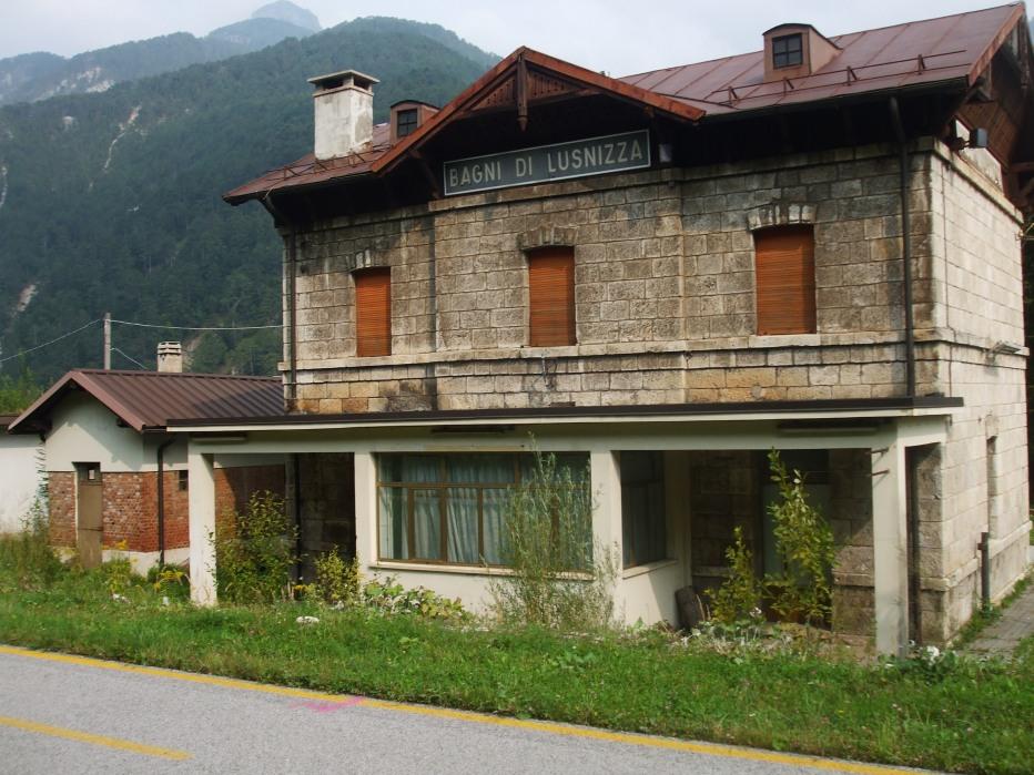 Itinerari ciclabili su vecchi tracciati ferroviari nel - Bagni di lusnizza ...