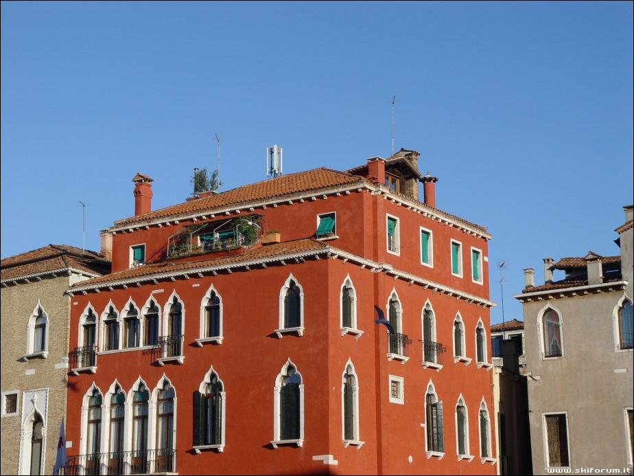 CTY - 16/02/07- Un Carnevale di Colori a Venezia